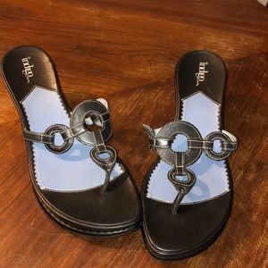 Indigo by Clark's Leather Thongs Sandals 9m